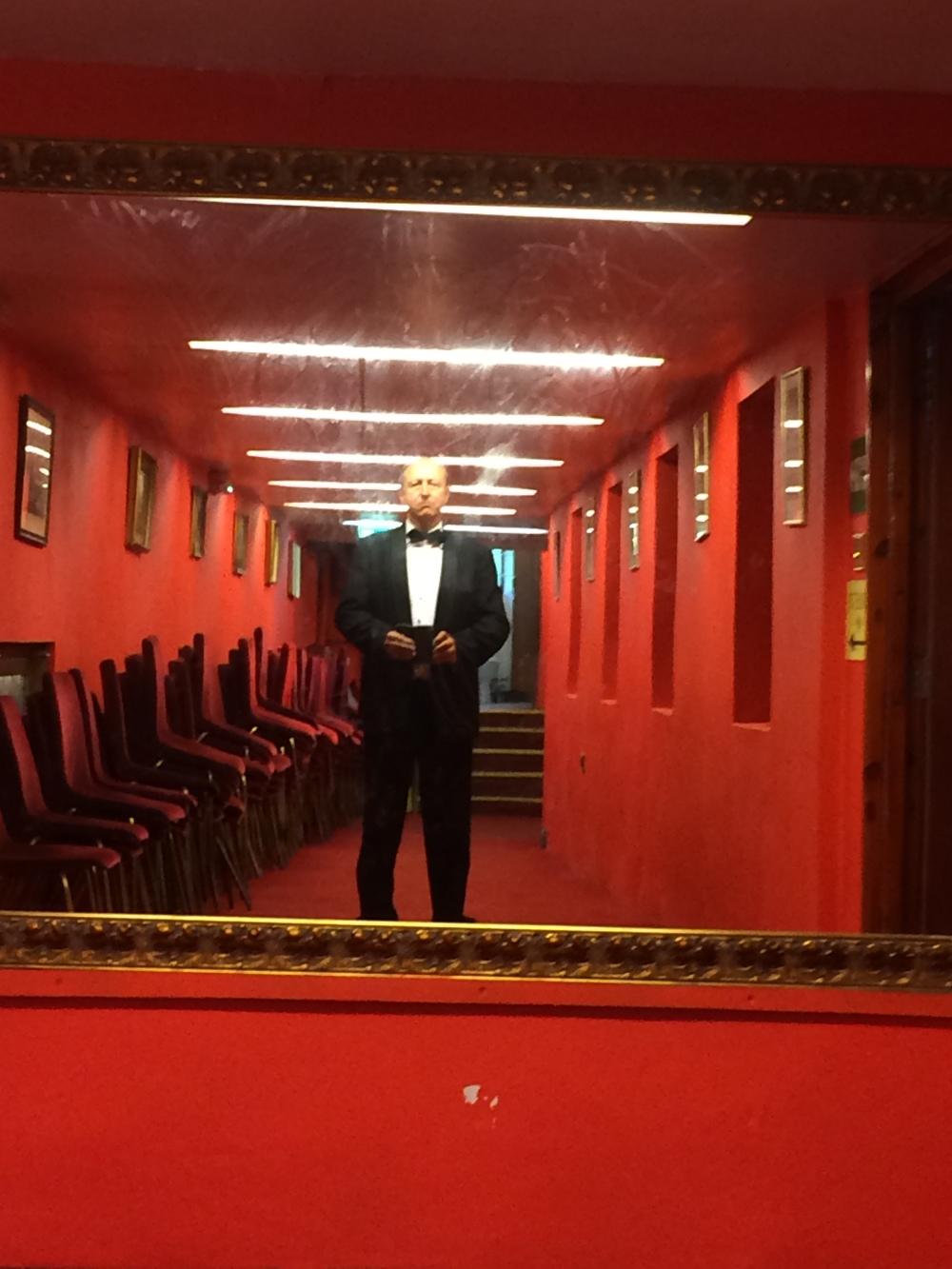 2017 selfie backstage 'House Red'