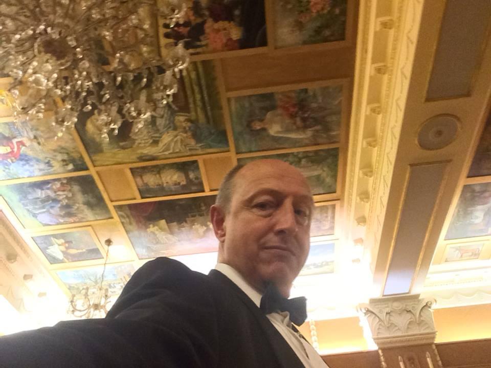 17 Oct 11th RIVOLI host Ceiling